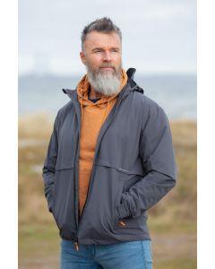 Vind og vandtæt herre jakke i Grå